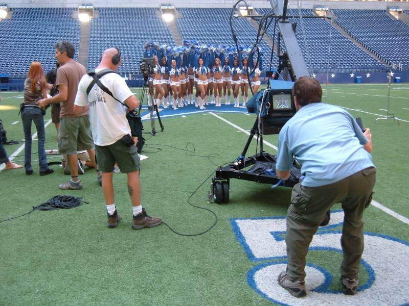 More Cheerleaders for House Hunters