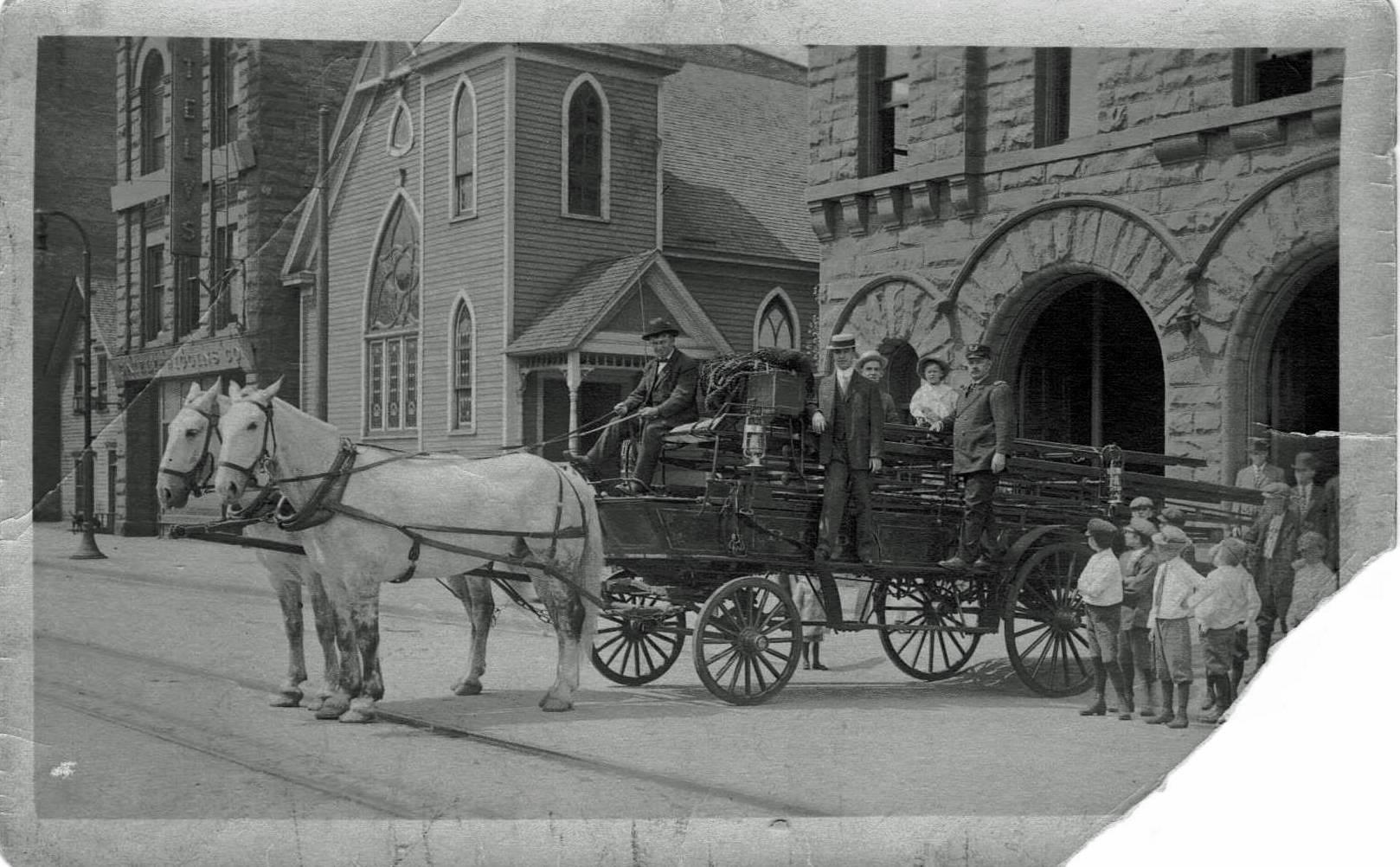 1900 Hose wagon photo (post card).
