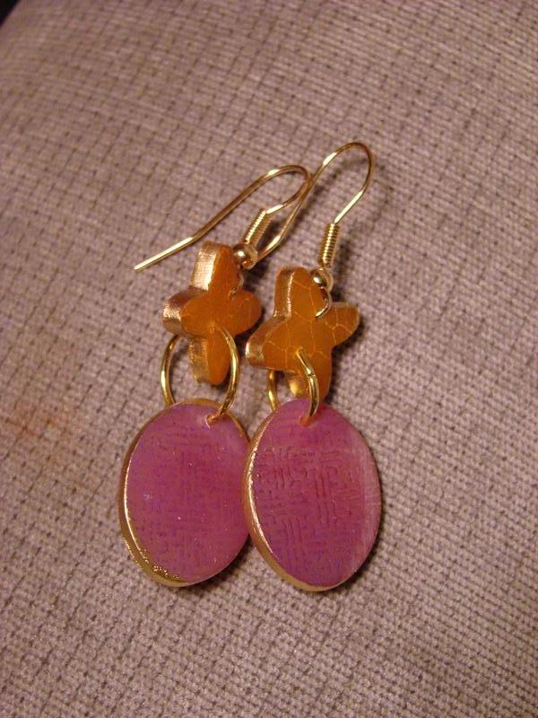 Tangerine Cross with pink ovals