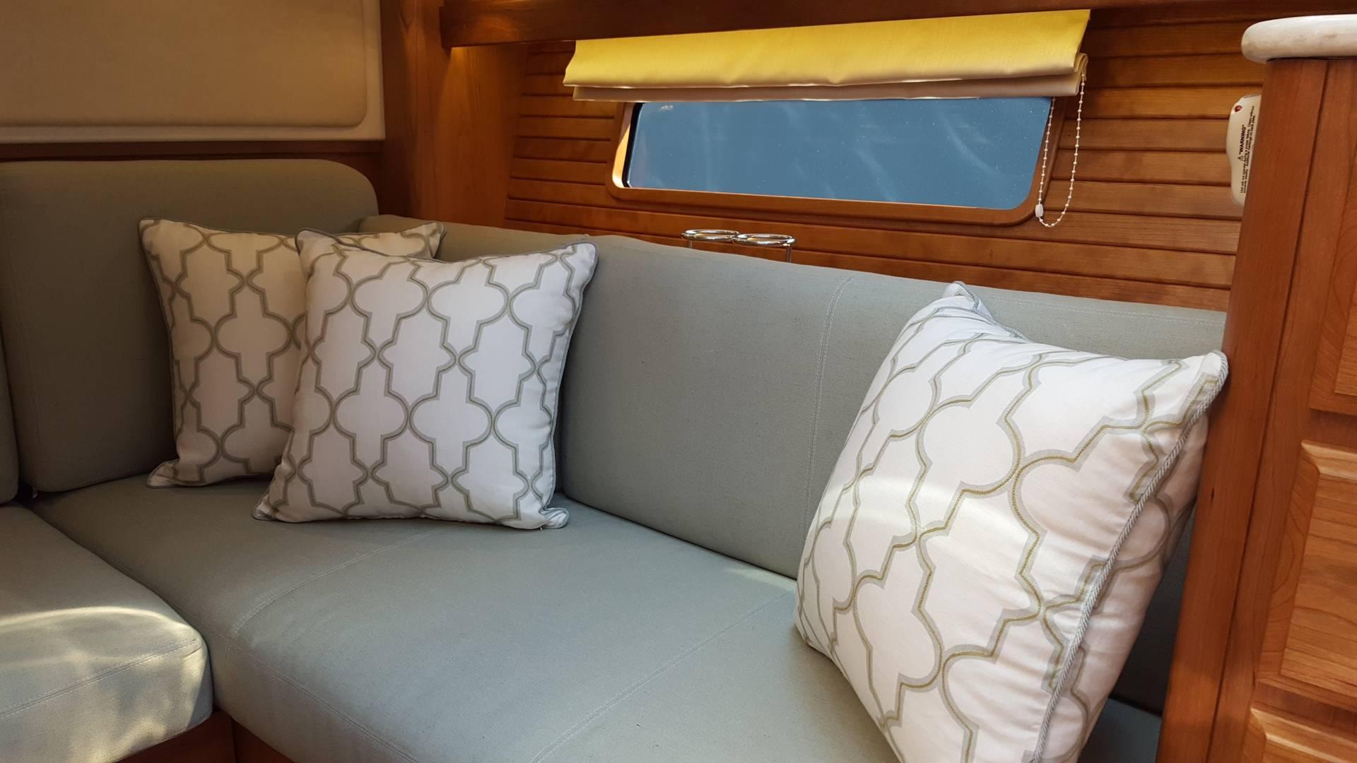 Lower settee pillows