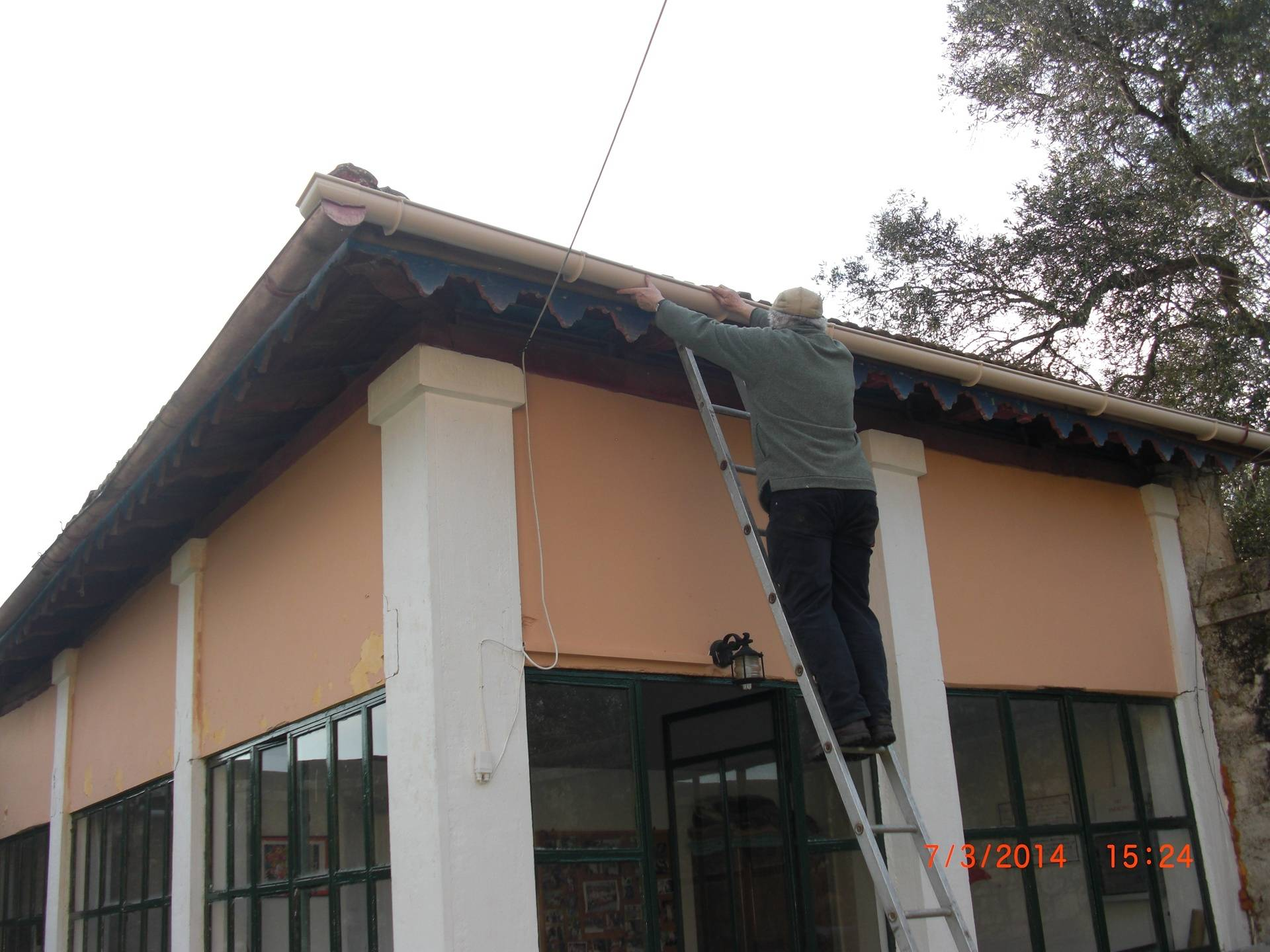 Rod repairing the guttering