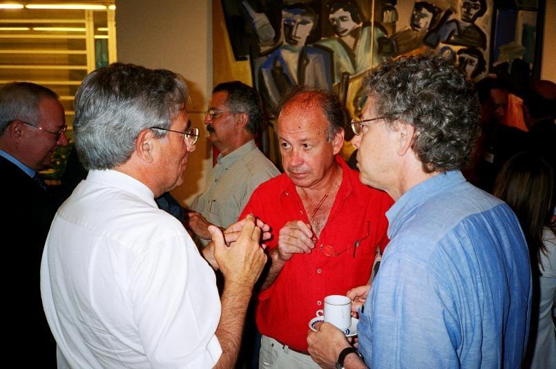Urbanist Jordi Borja (center)