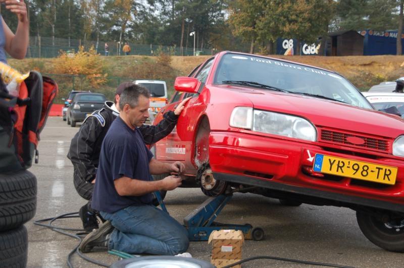 Yellow Repair; ook voor het wisselen van kokend hete remblokken, binnen een paar minuten! Check ook www.yellow-repair.nl