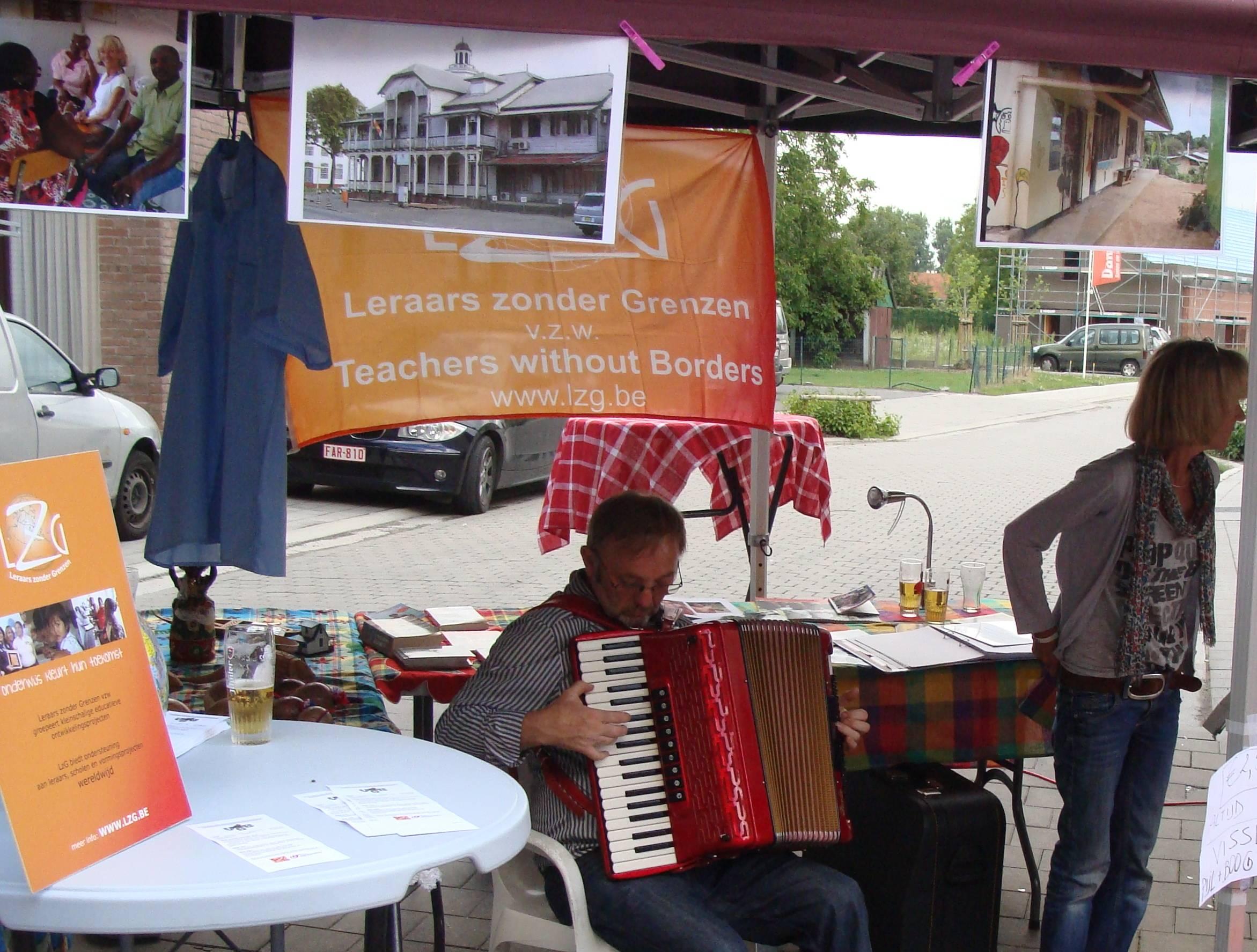 Muzikale stand met Jan Rigo op accordeon