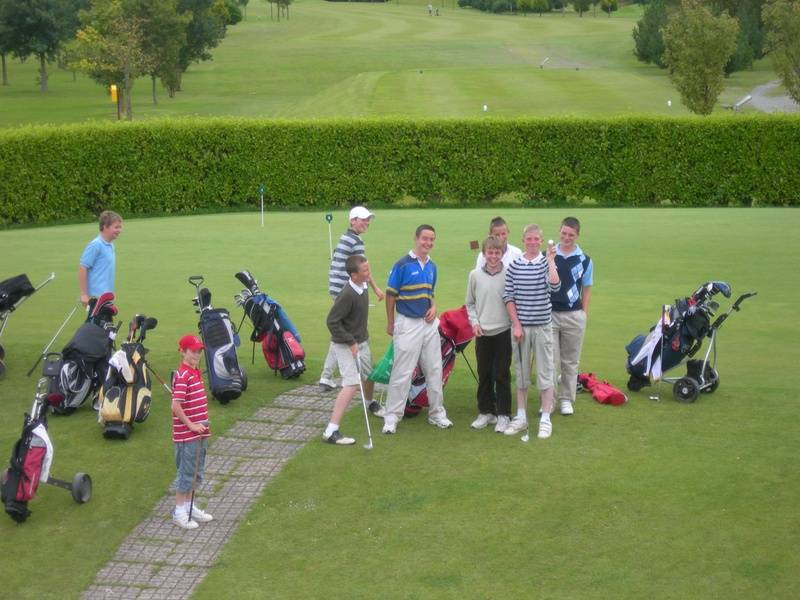 Juniors on the putting green
