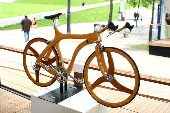de houten fiets