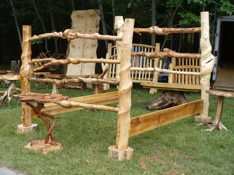 Twisted Tree Maple Bed