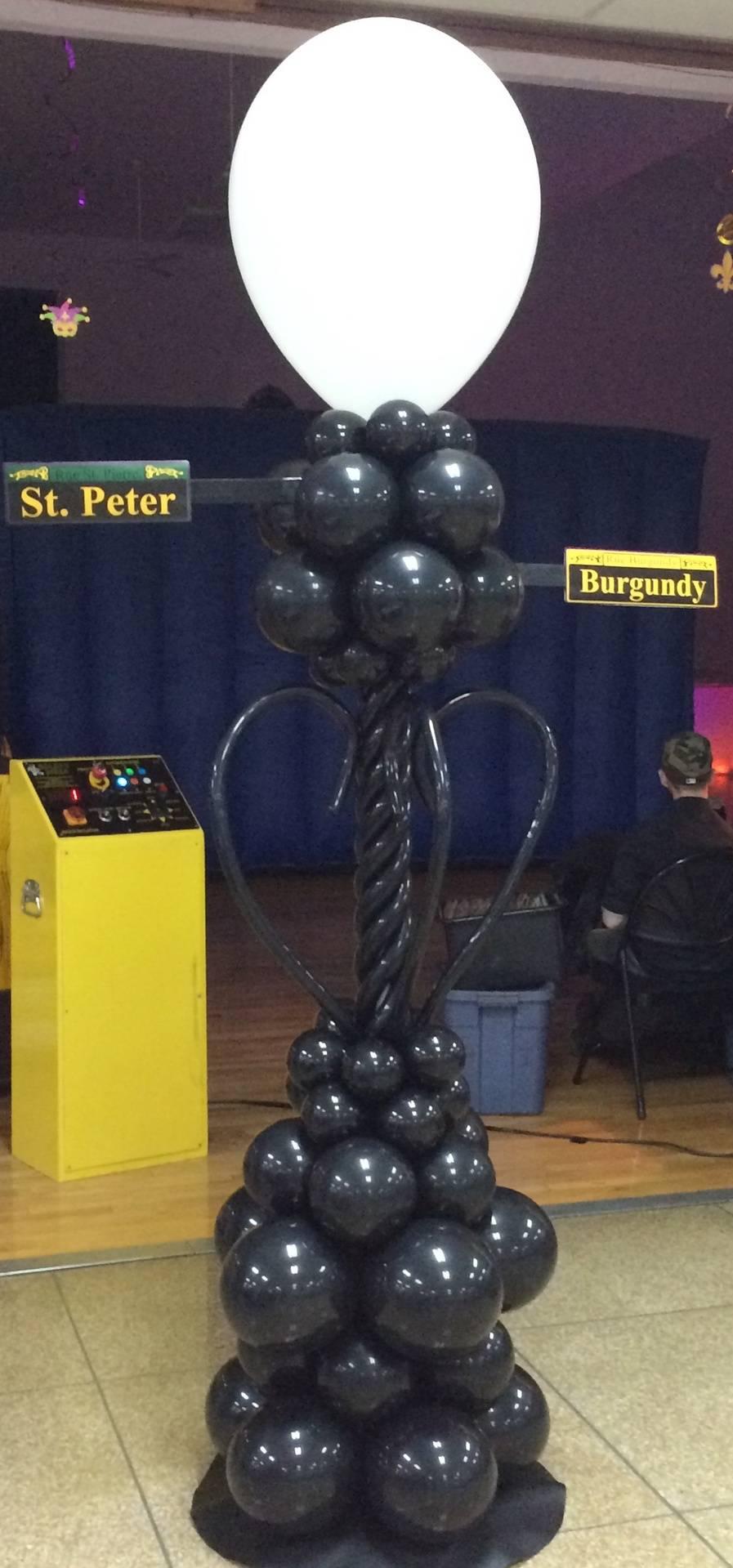 Mardi Gras Balloon Lamppost