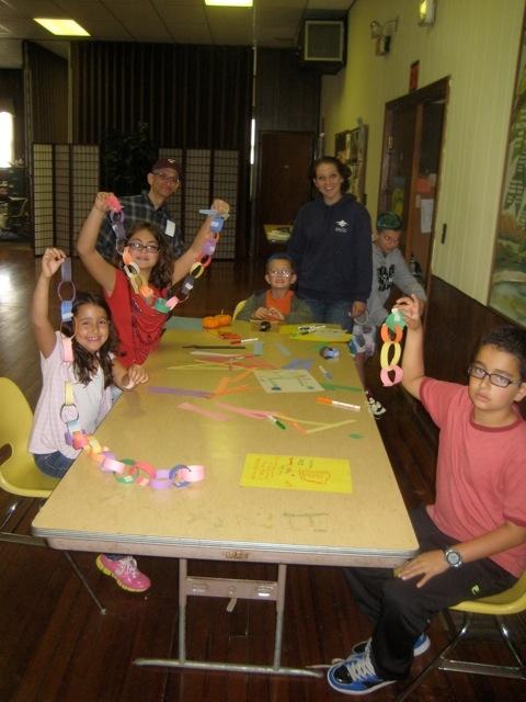 Sunday School creates Sukkah decorations