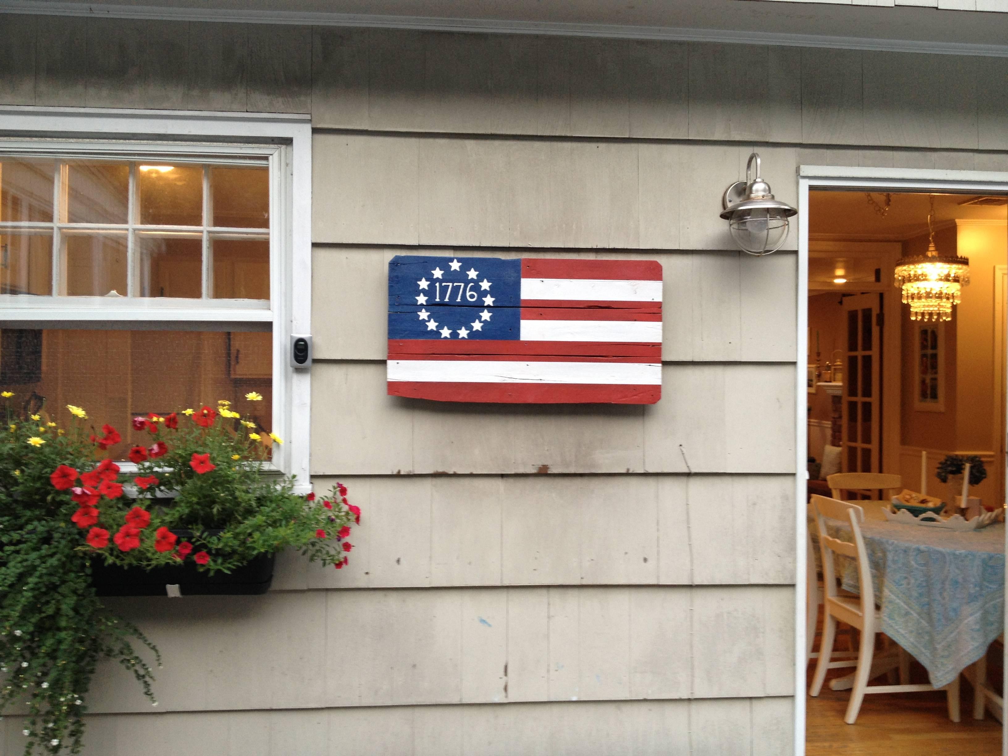 Pallet board American Flag