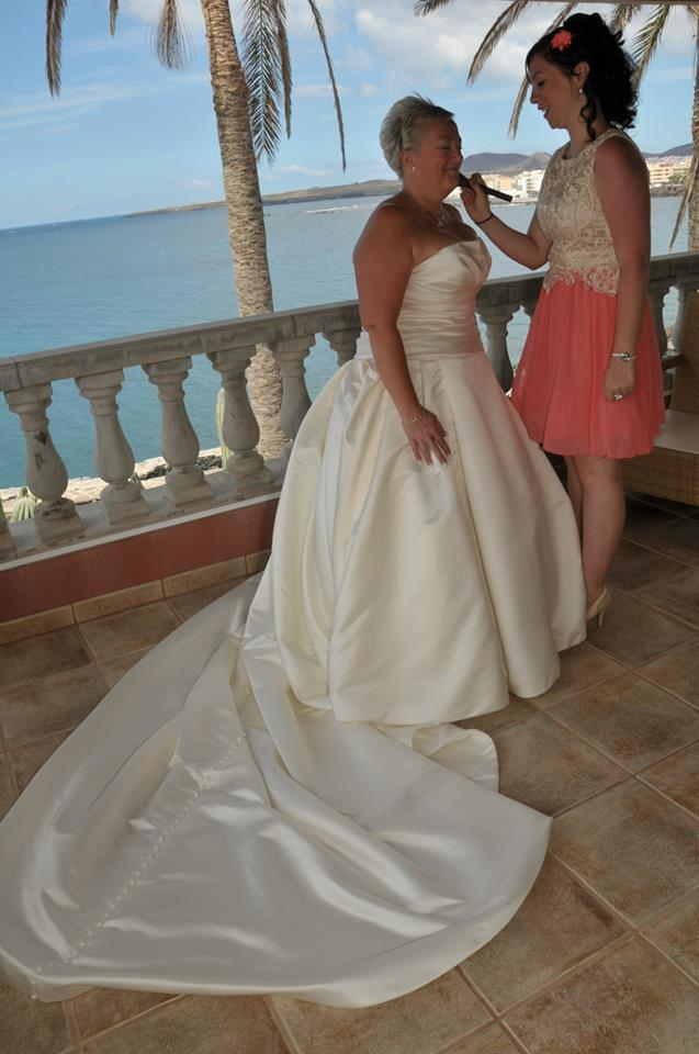 The beautiful bride getting ready