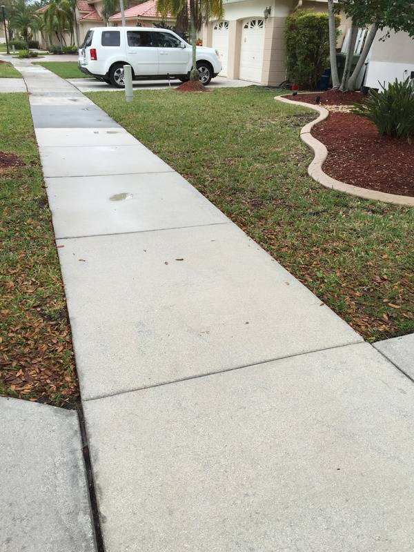 Sidewalk Pressure Cleaning