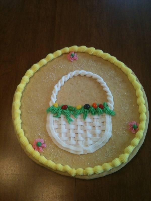 Sugar cookie with Easter Basket