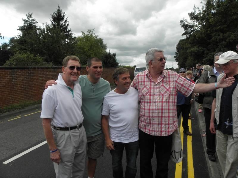 Pete Roberts, Johnny Kidd,Steve Grey, Neil Sands