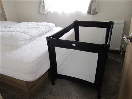 FITS TRAVEL COT IN LARGE DOUBLE BEDROOM