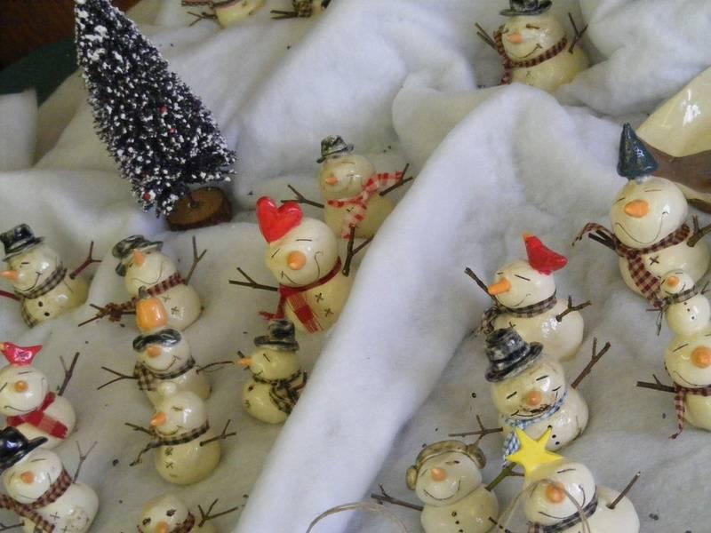 Snowmen  by Inge