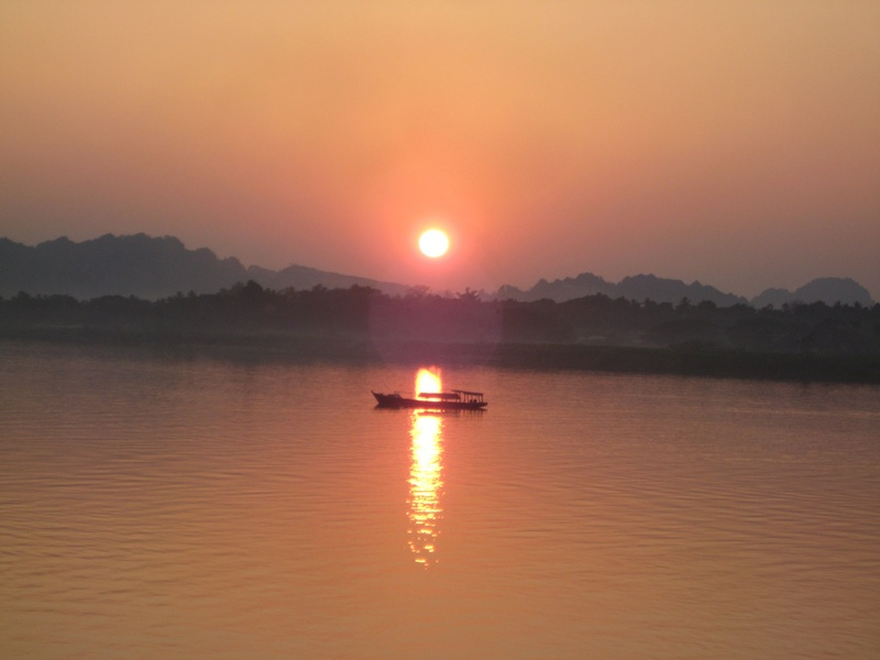 Sunset at Hpa An