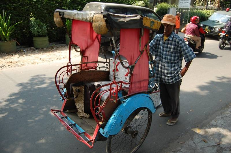 The second 'Lanca' (cycle rickshaw) I took, plus driver
