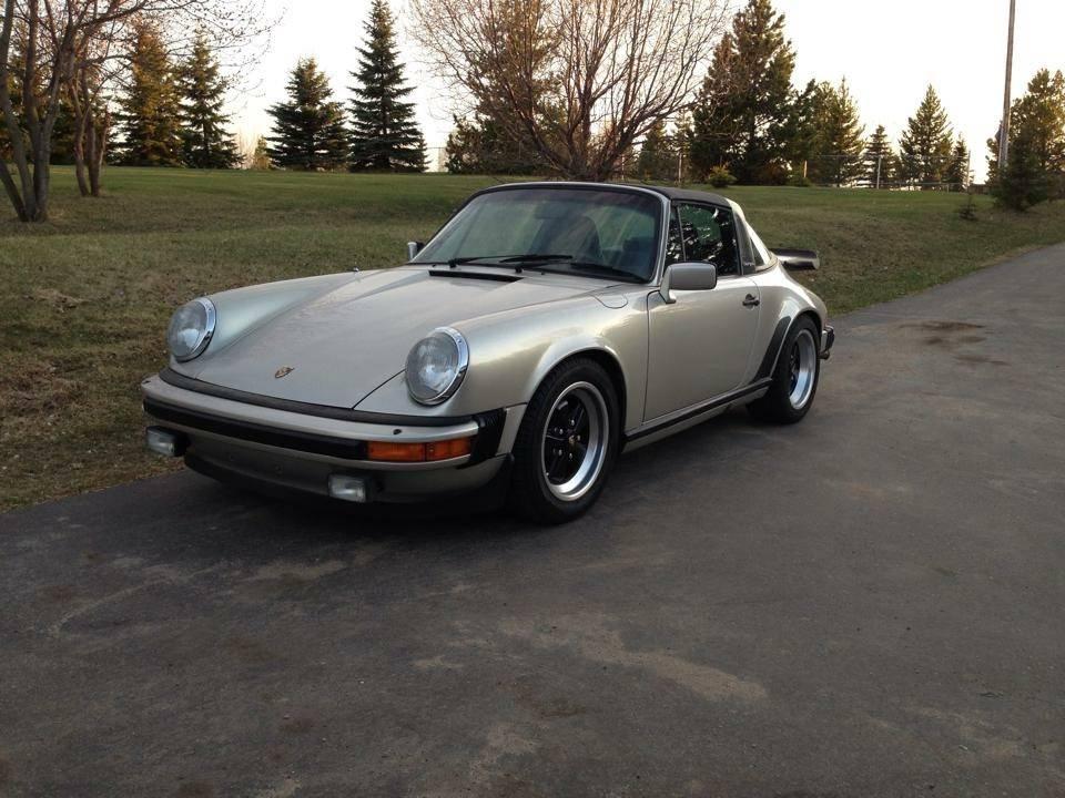 Porsche 911 SC in for