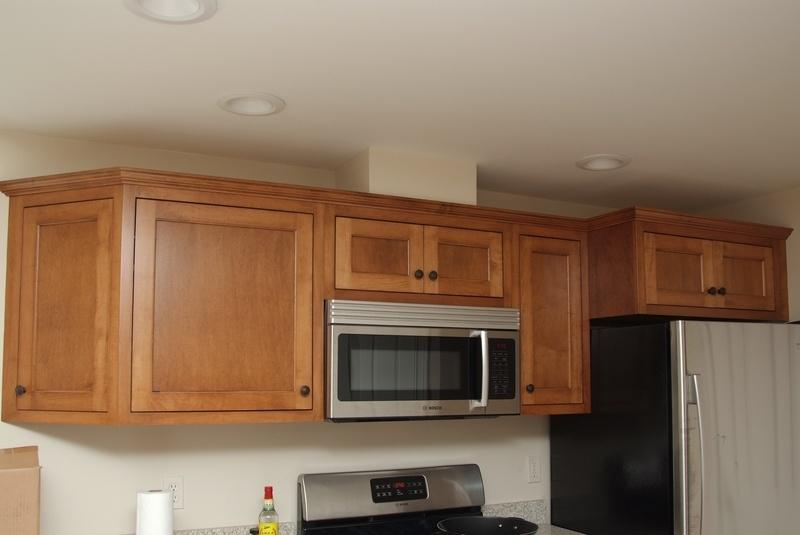 Basement kitchen, maple, standard overlay.
