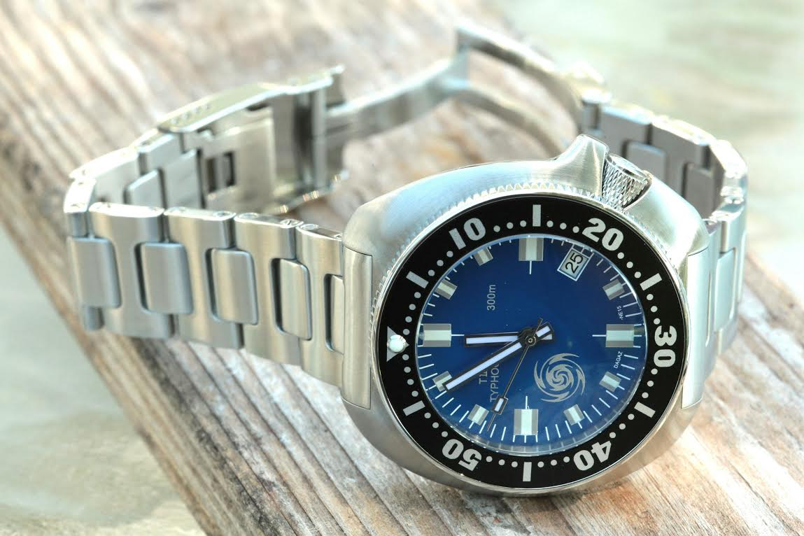 CUSTOM-MADE TII-TYPHOON 300m S0E PACIFIC BLUE