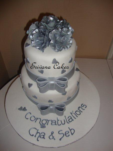 Silver and White Engagement Cake (W031)