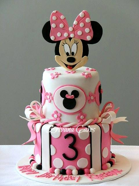 Minnie Mouse cake 3