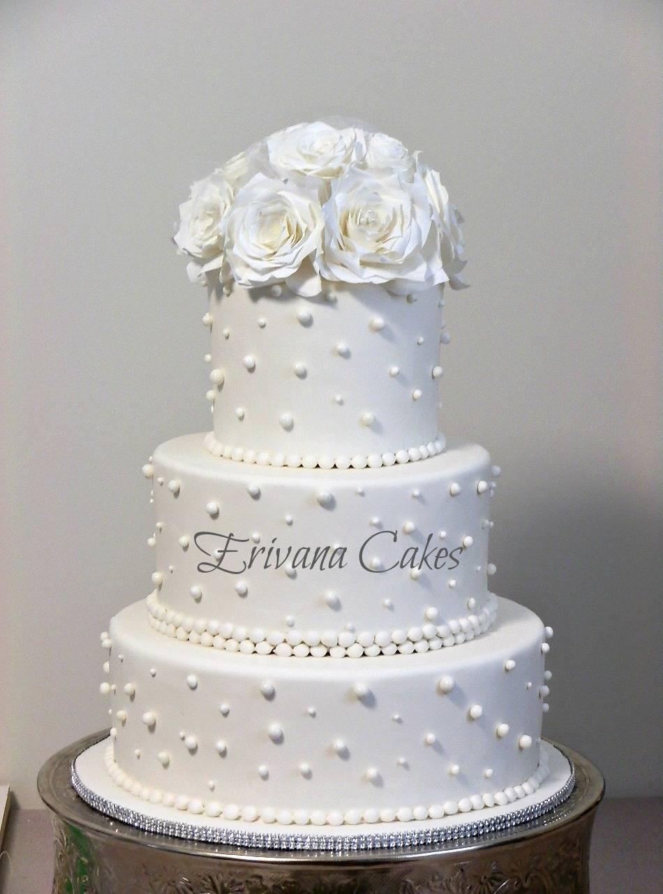 White Wedding cake 3