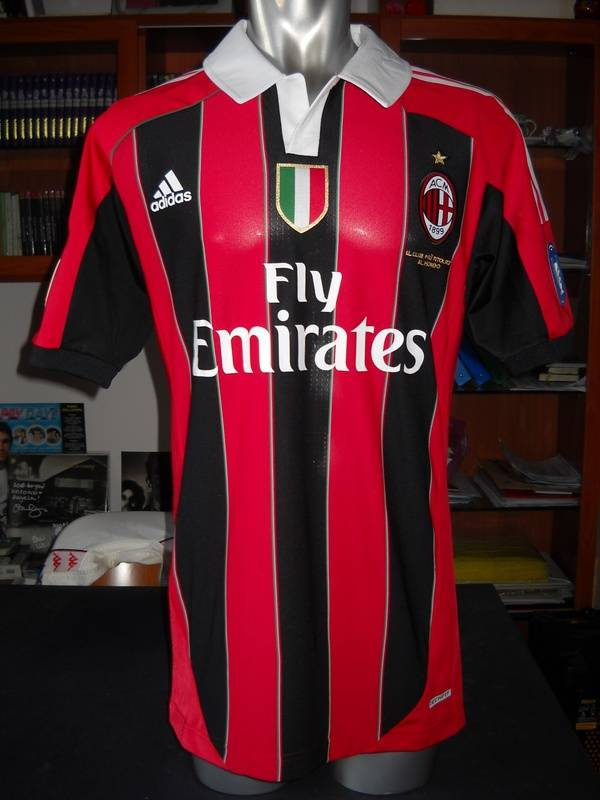 "AC MILAN FOOTBALL SHIRT ""TECHFIT"" NUOVA VERSIONE - SERIE A 2011-12"