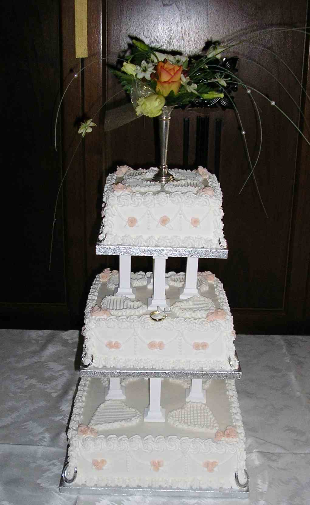 Small Traditional Wedding Cake