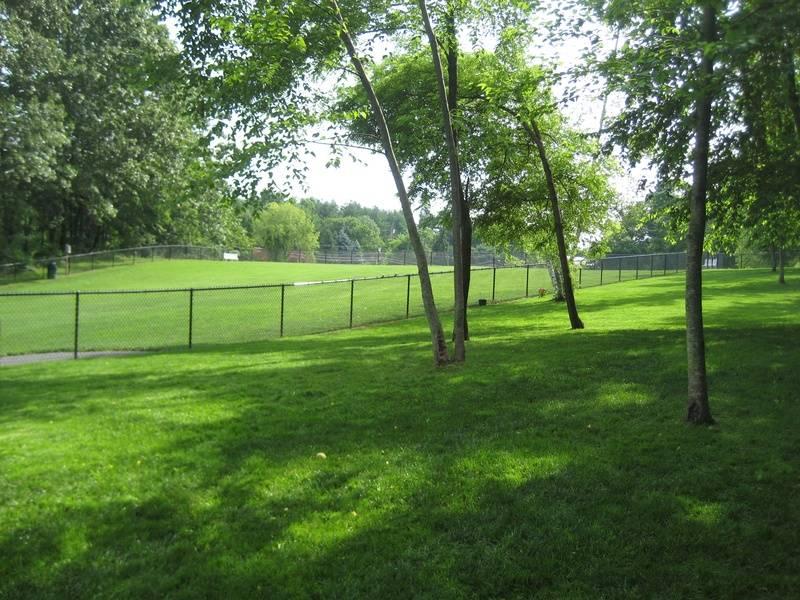 East Windsor Dog Park, 24 Reservoir Av, Broad Brook, CT, 06016
