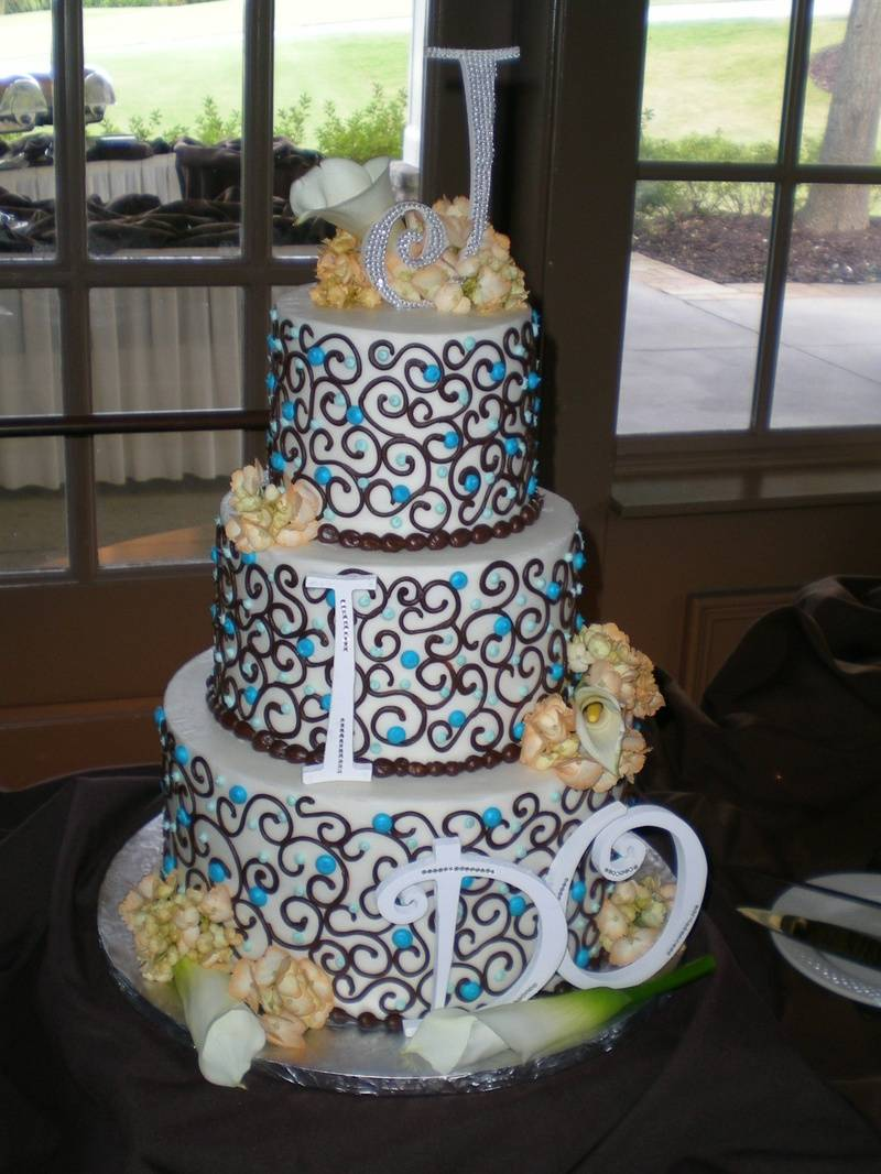 Erin's cake - I DO!