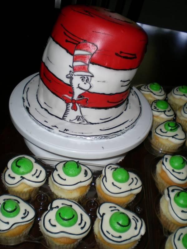 Dr. Seuss Cake & Green Eggs cupcakes