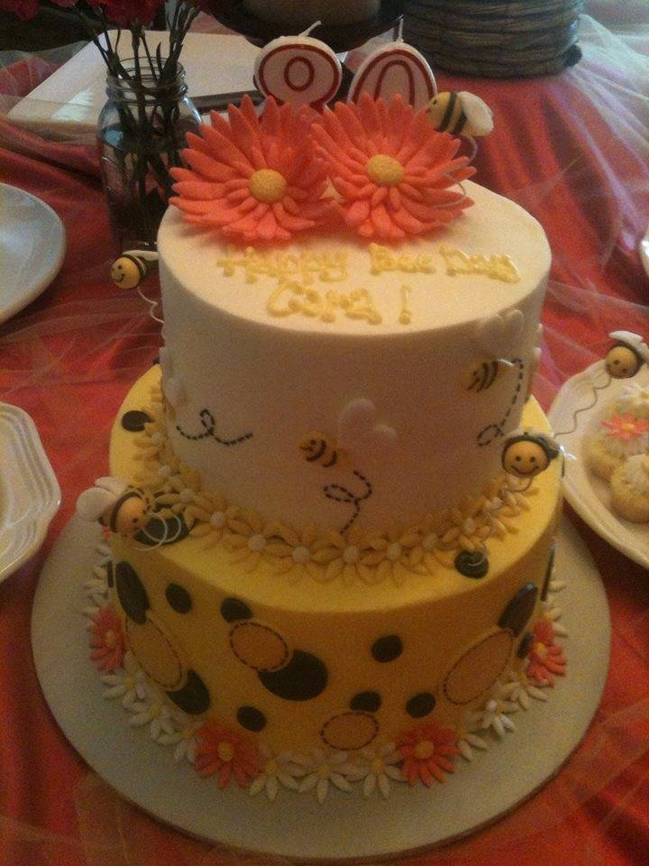 Bee cake (sorry it's dark)