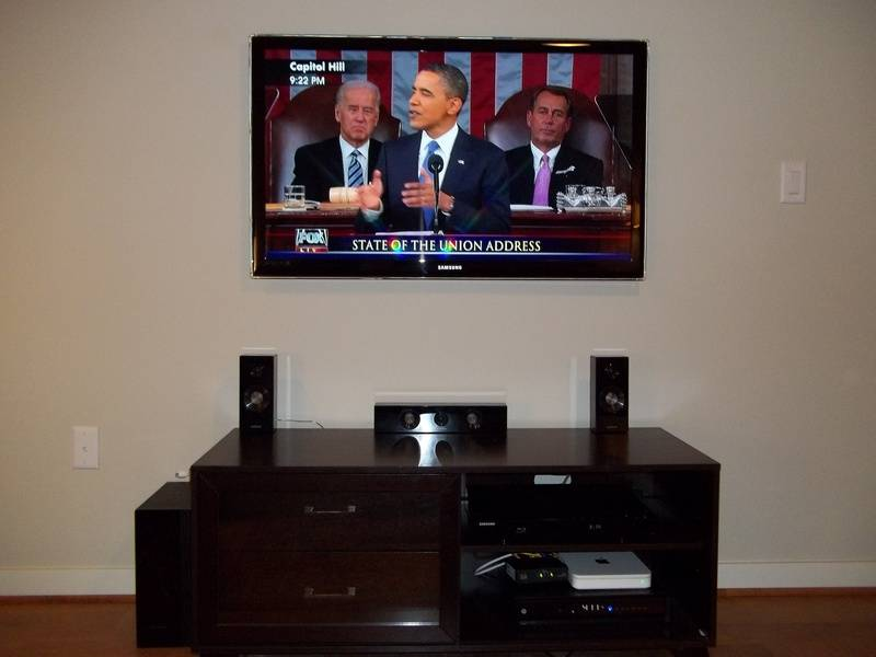 Samsung LCD TV Installed on wall Premium Installation