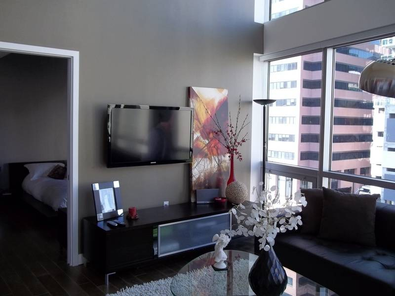"""47"""" Samsung LCD TV Downtown Los Angeles"""