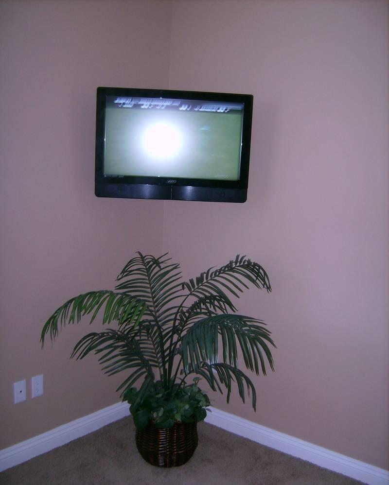 Premium TV Installation W/Corner Friendly Wall Mount
