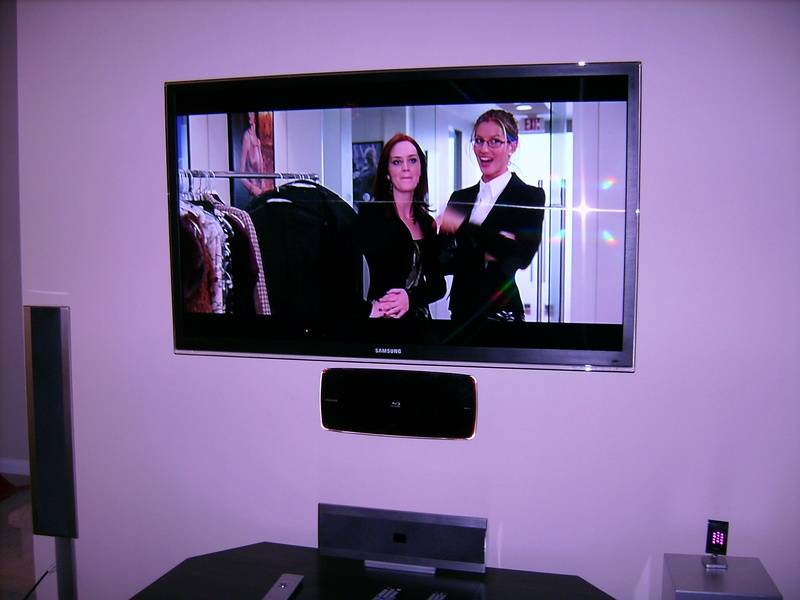 """55"""" Samsung LCD TV with Samsung Wall Mounted Blu-Ray Player"""