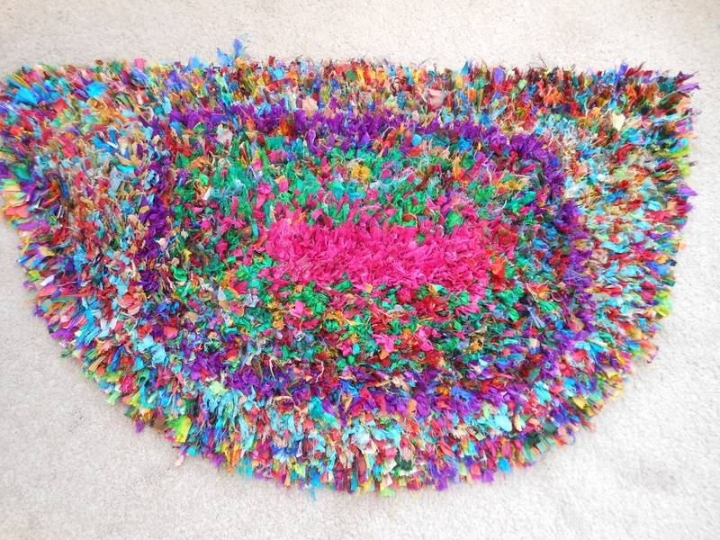 Sari-Silk Half Moon rug