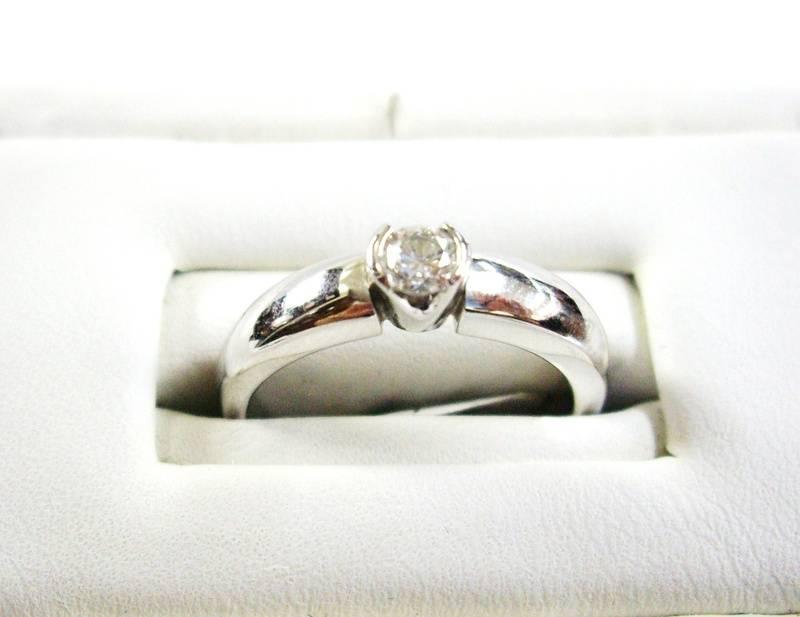 Anillo en oro blanco - White gold ring
