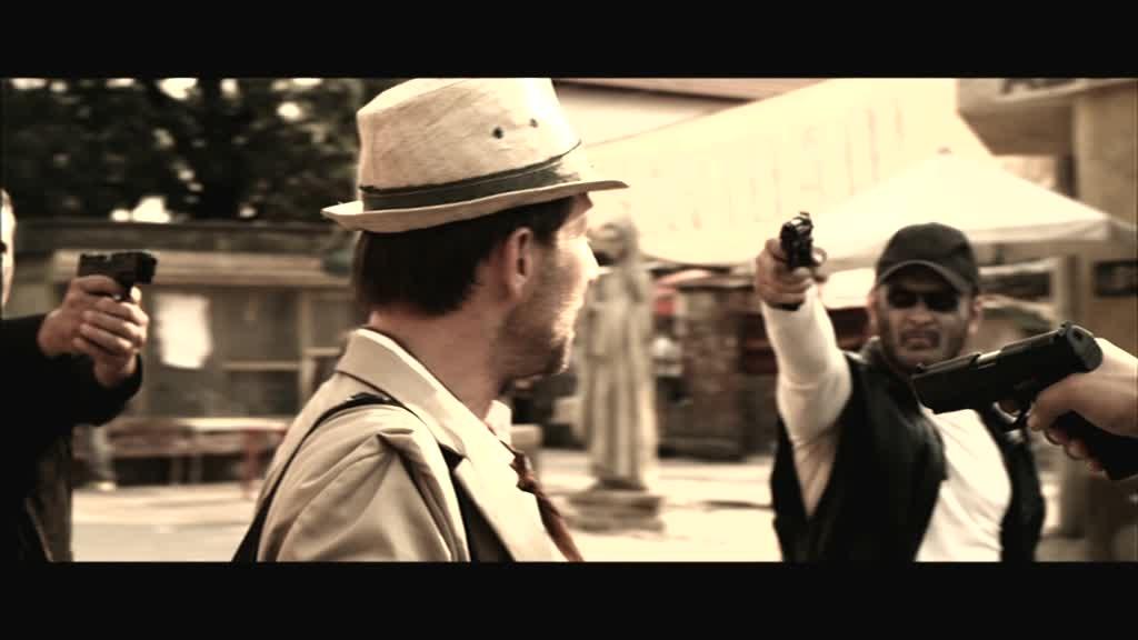 EL-GRINGO- Christian Slater ,The Boss