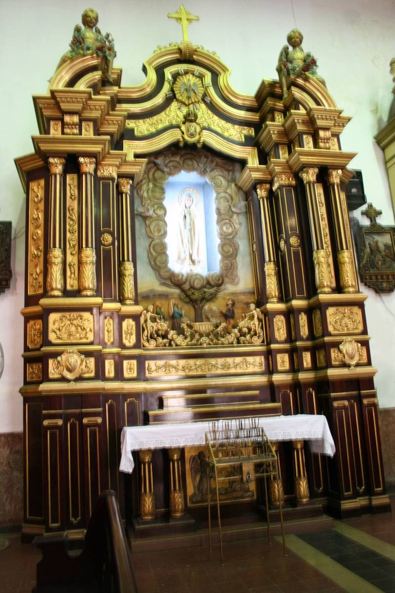 Golden altar in the Iglesia San Jose, the Catholic parish church for the Casco Viejo