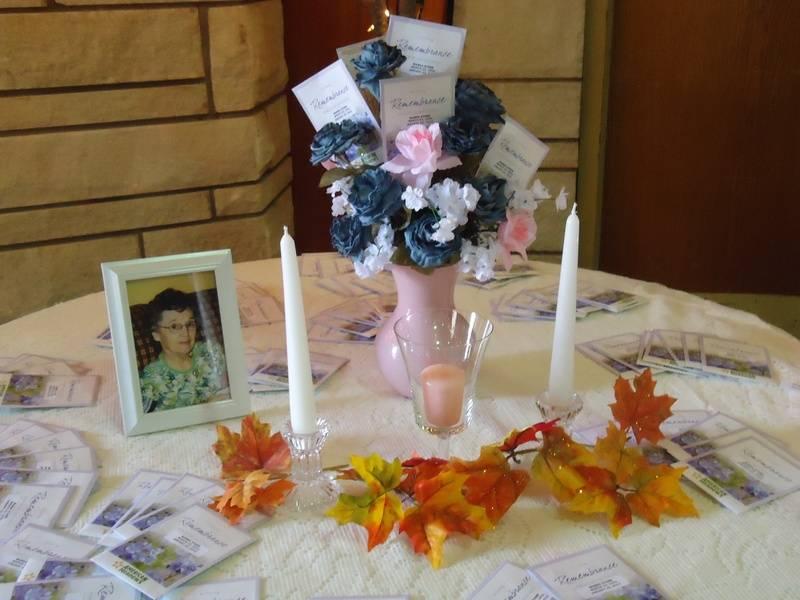 Table honoring Wanda