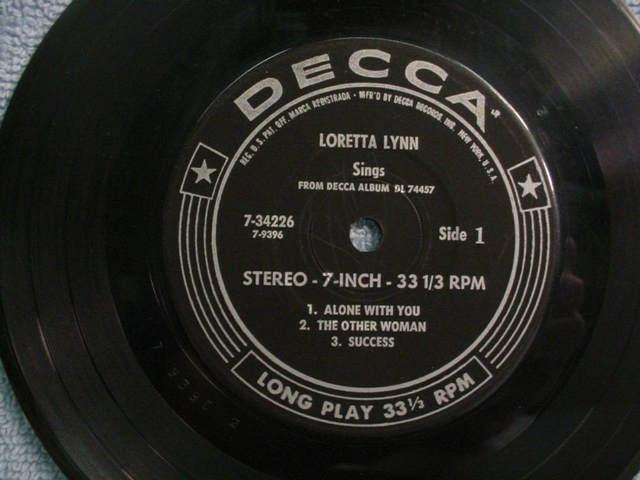 Loretta Lynn Sing EP 45 Side 1