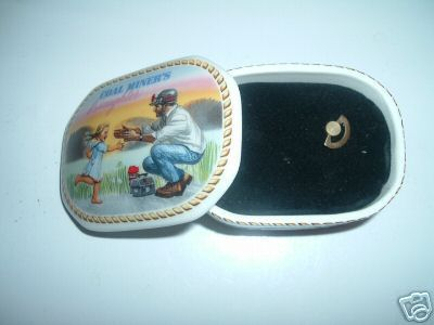 Franklin Mint Music Box