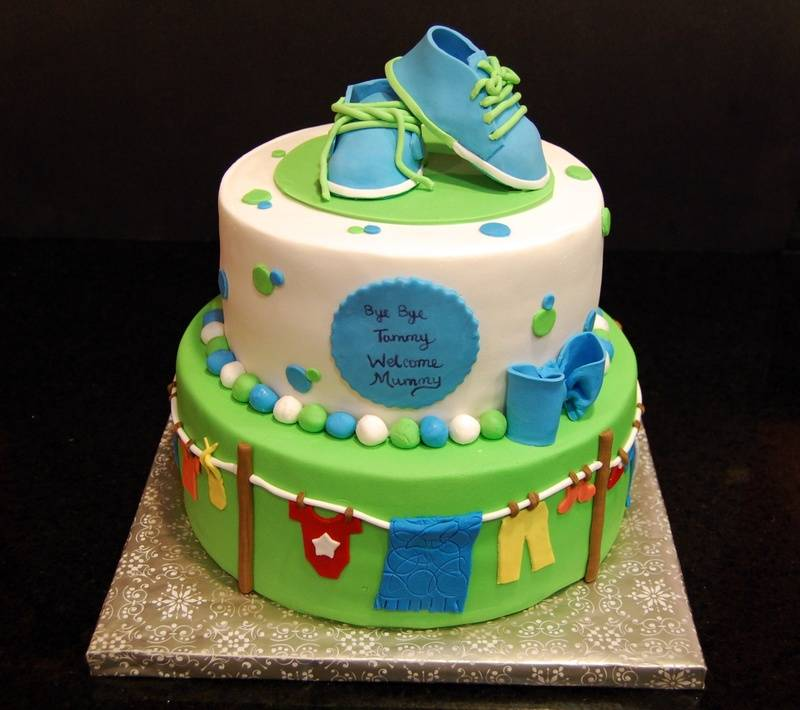 'Clothesline' themed baby shower Cake