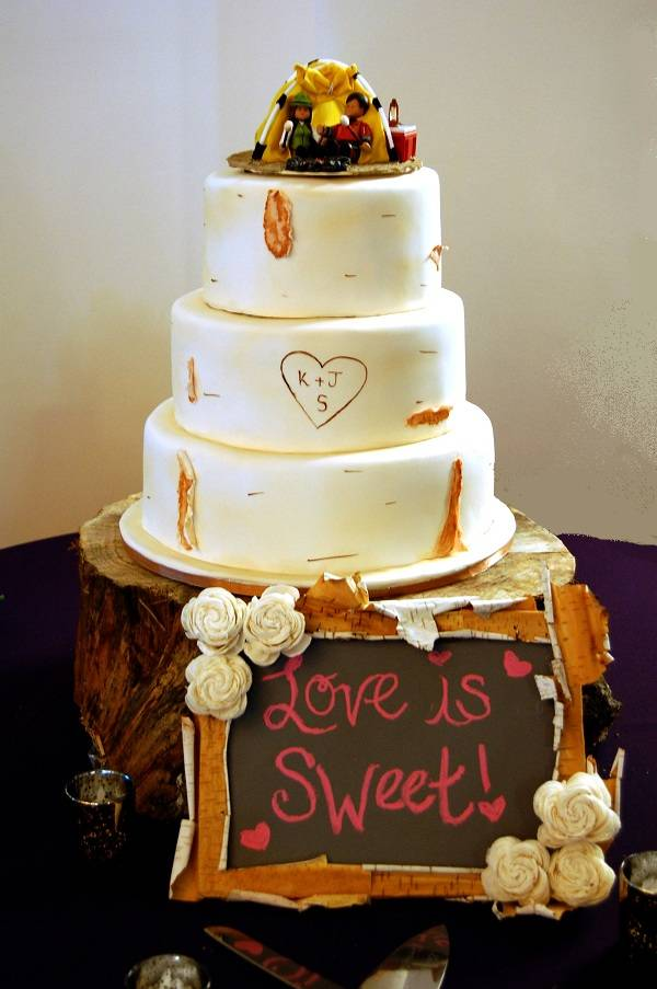 Woodgrain wedding cake