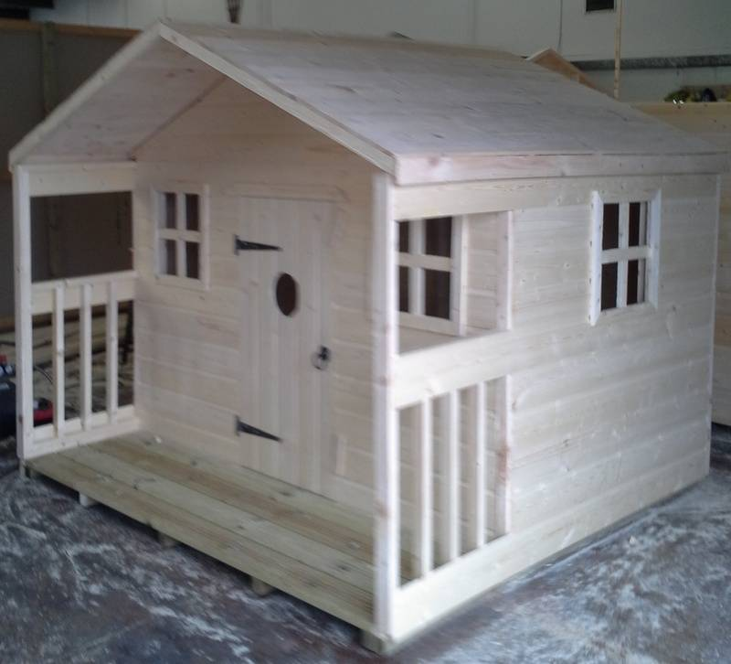 Playhouse with Veranda (8' x 8')