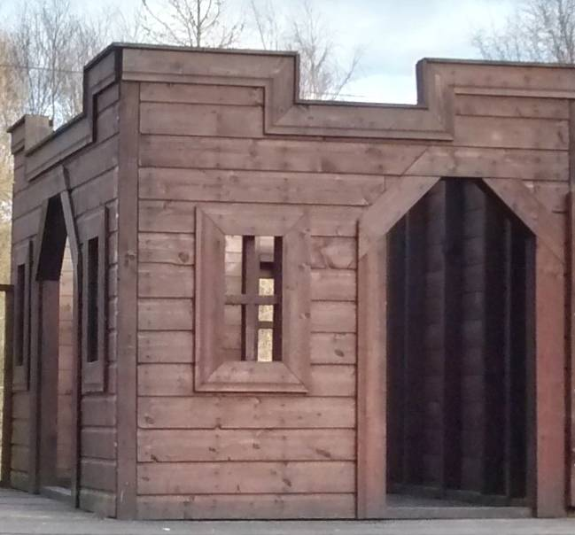Wooden Castle | Playhouse (7' x 5')