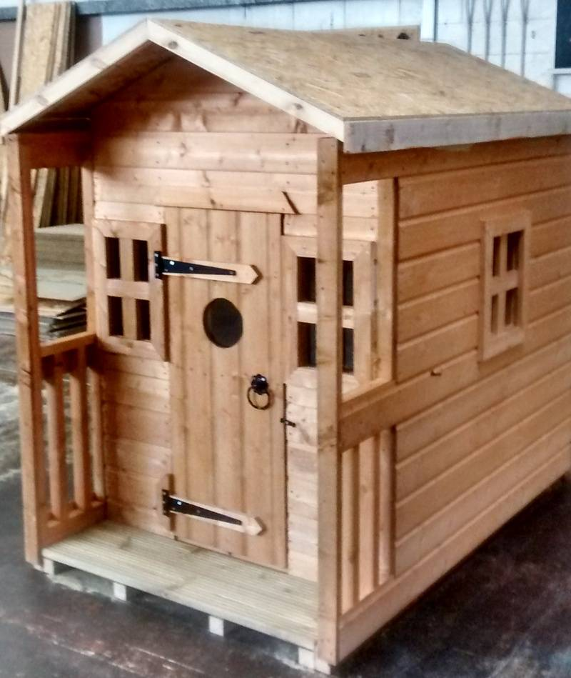 Playhouse with Veranda (6' x 4')